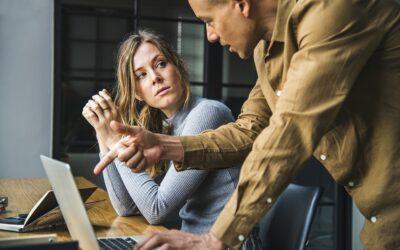 6 ejemplos de pésimo servicio al cliente (¡y cómo evitarlos!)