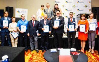Community Networker premia el Liderazgo Hispano